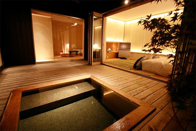 スタースイート檜露天風呂と寝室