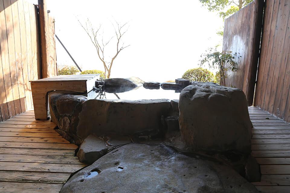 岩風呂付き客室